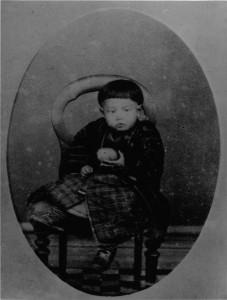 常設展示萩原朔太郎 満二歳